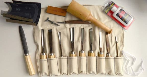 Carvers kit with multiple tools.
