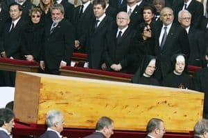Guard of honour surrounds John Paul II's casket